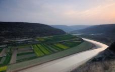 静静的河流图片