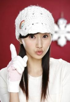 杨青 毛线帽 毛线手套 长发 写真图片