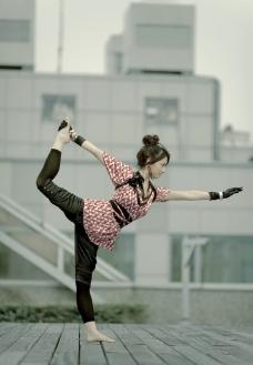 杨青倩 瑜伽 写真图片