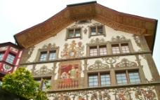 瑞士 琉森 街面房屋上的裝飾畫图片