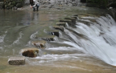 溪源峡谷风光图片