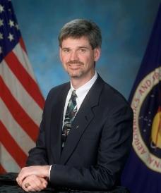 航天飞机飞行主管布赖恩·朗尼图片